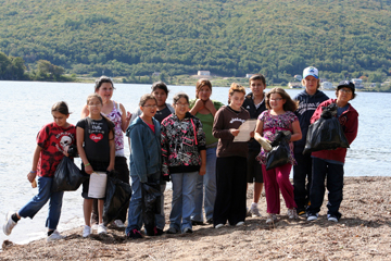 Unama'KIDS shoreline cleanup